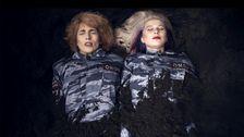 """Pussy Riot i musikvideon till """"I can't breathe""""."""