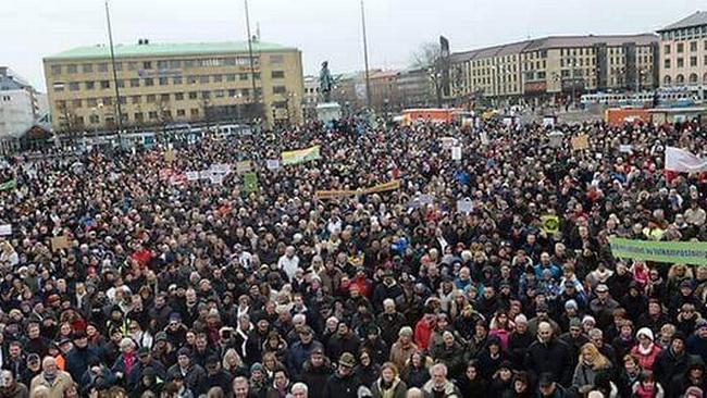otäck svart klädespersedlar i Göteborg
