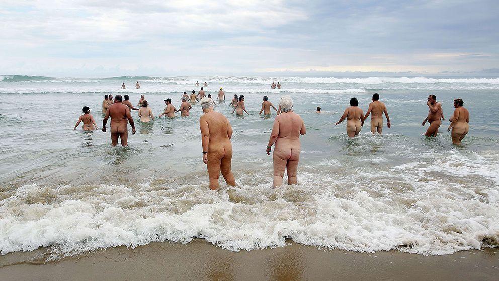 nudister barn