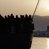 Flyktingar ombord på båt