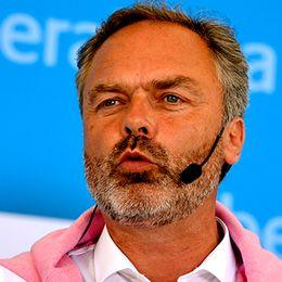 Folkpartiets partiledare Jan Björklund talade i Almedalen under politikerveckan i Visby på söndagen.