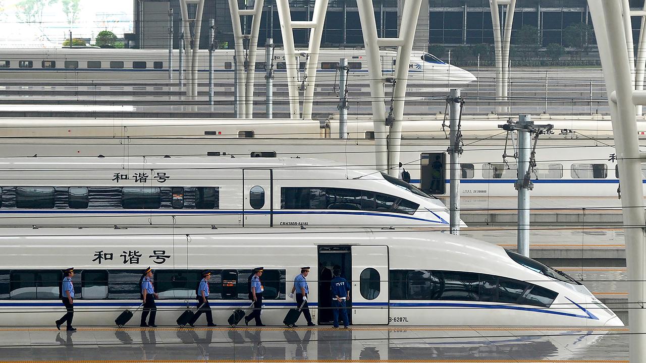 Tyfusepidemi hotar efter skyfall i kina