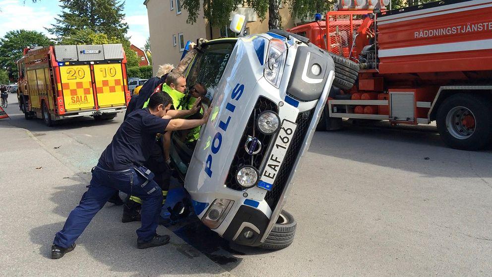 Bildresultat för polisbilar skadas