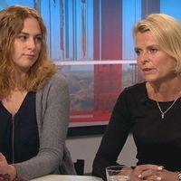 Clara Berglund, ordförande för paraplyorganisationen Svensk Kvinnolobby, och jämställdhetsminister Åsa Regnér (S).
