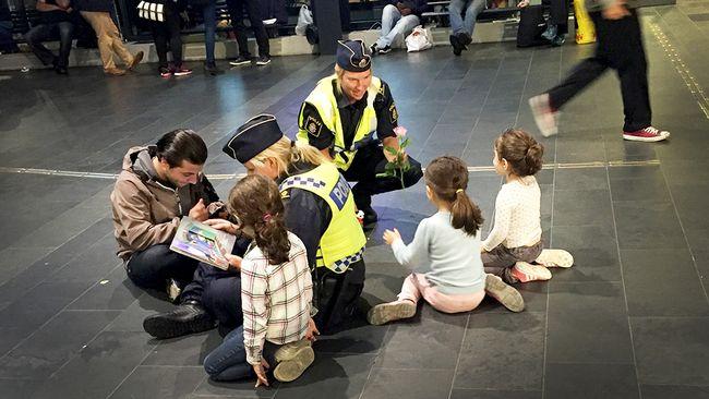 Polisen L 228 Ser Sagor F 246 R Barnen P 229 Centralstationen Svt