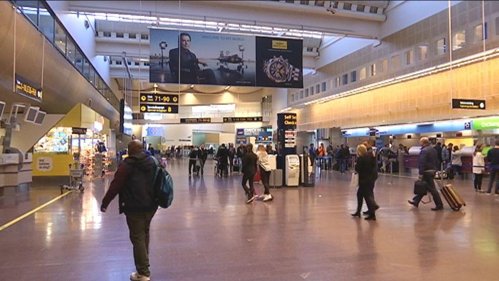 Kasta Väskor På Arlanda : Flygtrafiken i g?ng igen efter bagagestrul svt nyheter