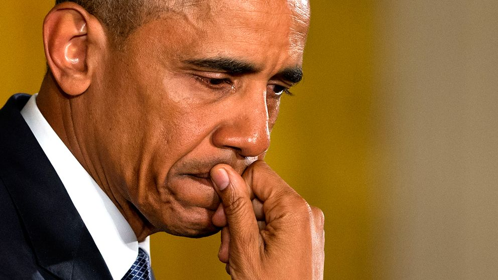 President Barack Obama i tårar när han talade om förstaklassare som sköts till döds i en skolmassaker i USA.