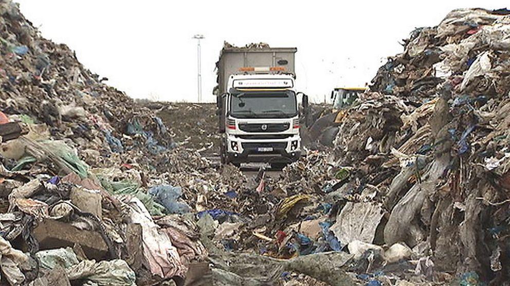 Lastbil med sopor