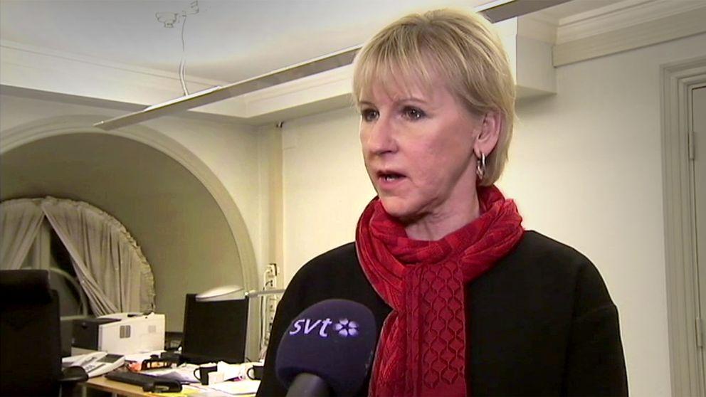 Utrikesminister Margot Wallström (S) kommenterar nu det faktum att Riksenheten mot korruption inleder en förundersökning.