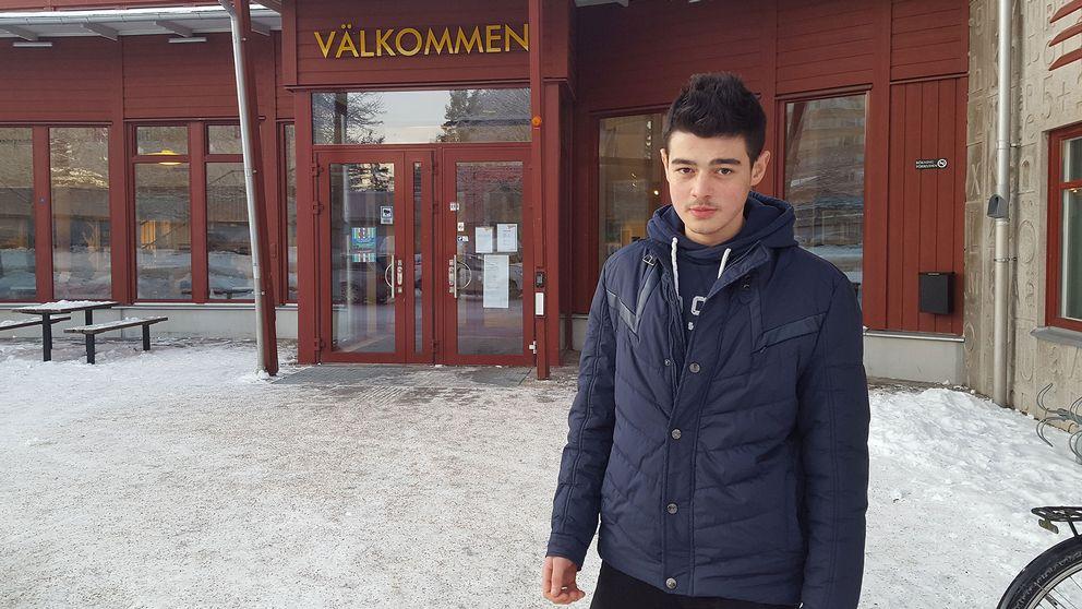 Wahed Kosa, 15, överlevde svärdsattacken på skolan Kronan i Trollhättan.