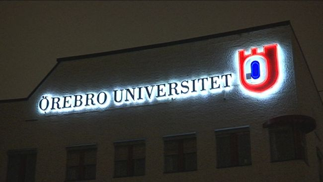 Skylt Örebro Universitet