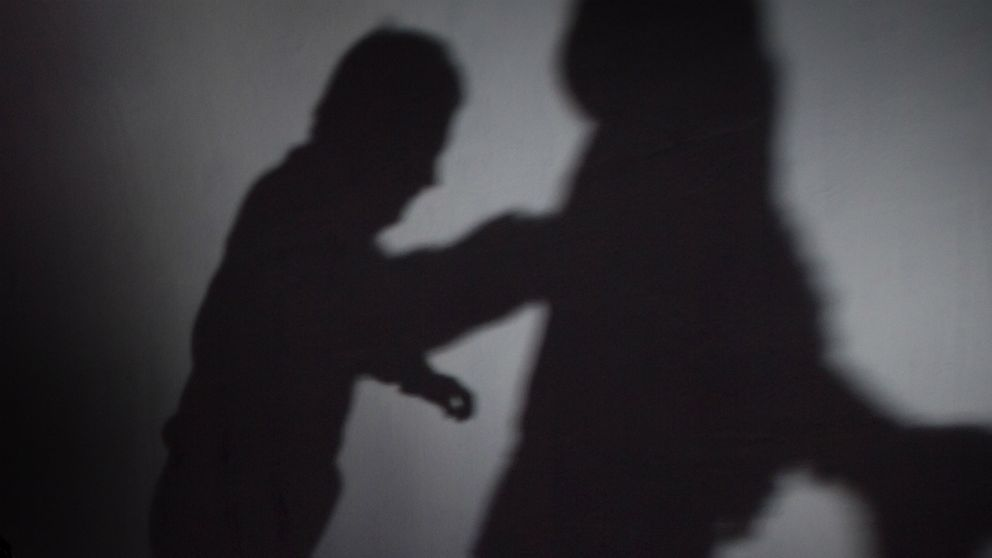Idrottsprofil anhallen for misshandel