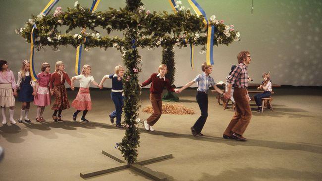 Barn från Järfälla folkdansgille 1978