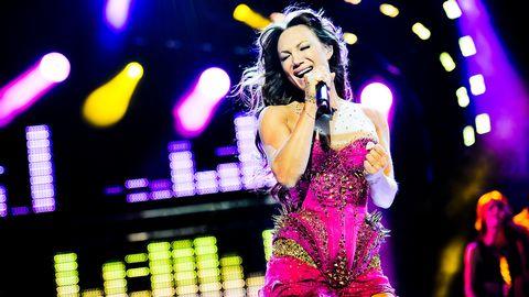 Charlotte Perrelli sjunger The Girl i Melodifestivalen 2012