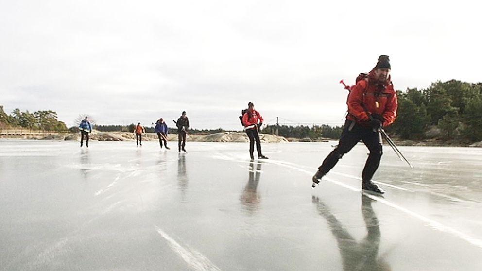 Flera dödsolyckor har inträffat ute på isen och just nu är det många isar i Sverige som är i mycket dåligt skick.