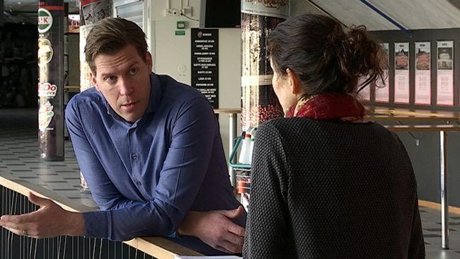 Per Svartvadet, Modo hockeys GM, ger sin syn på de ojämlika kraven på matchläkare mellan dam- och herrhockeyn.