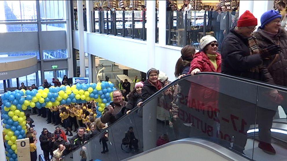 Folkfest När Ikeaöppnade Svt Nyheter