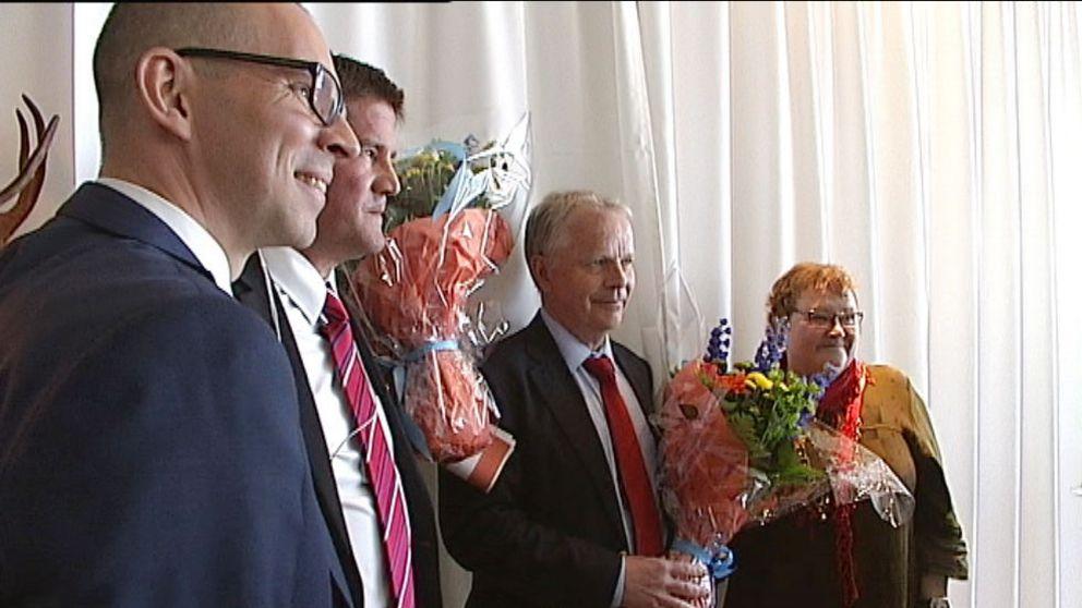 Niklas Nordström, kommunalråd Luleå, Ilija Batljan, fd vice vd Rikshem, Jan-Erik Höjvall, avgående vd Rikshem och Yvonne Stålnacke, kommunalråd Luleå på presskonferens när Luleboaffären offentliggjordes.