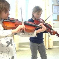 Elsa och Iris är en del av kulturskolan i Tierps kommun.