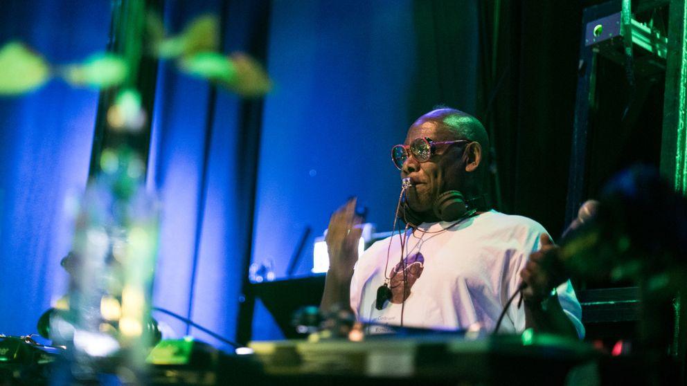 Sydney Onayemi var en av Sveriges första DJ:s.