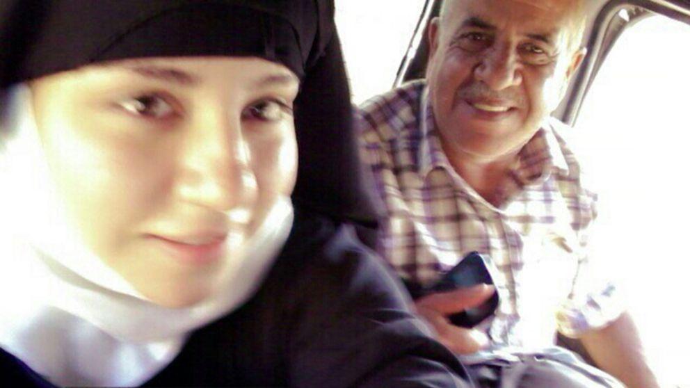 Raghad och Mohammed Abboud på flykt genom IS-kontrollerat område i Syrien.