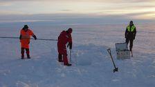 Mätningar i Antarktis. Svenska forskare på isen