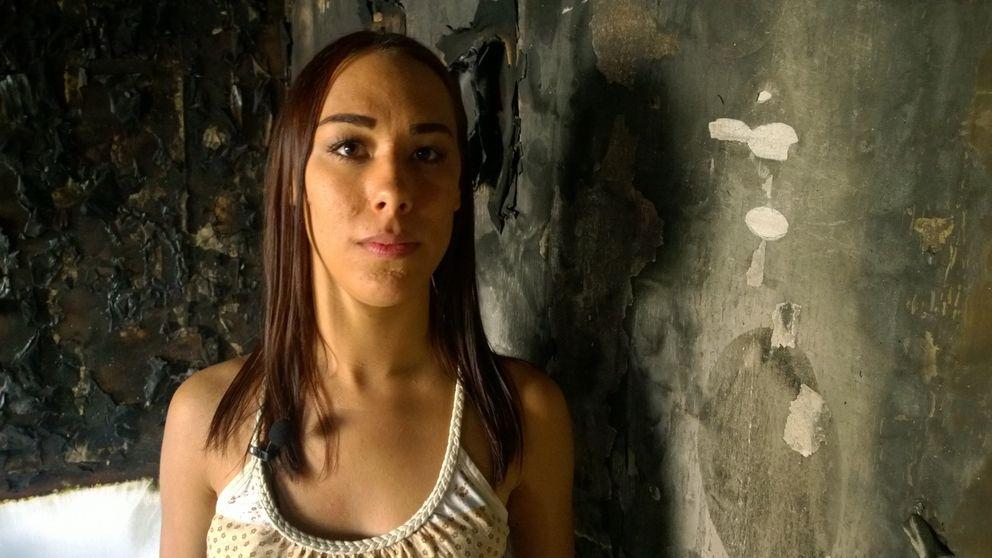 Michaela Borg i sin utbrända lägenhet.