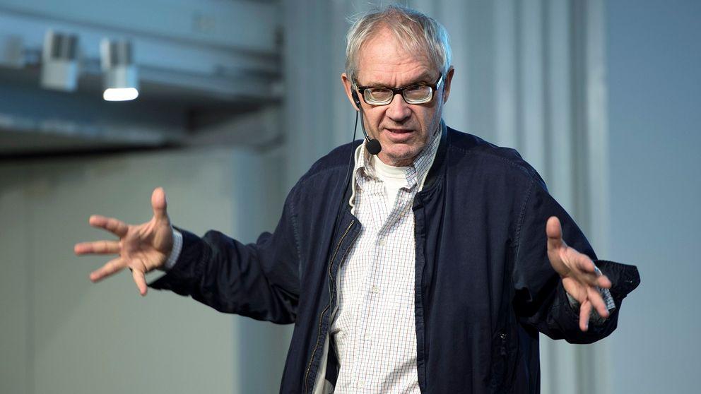 Lars Vilks under ett av sina sällsynta föredrag.