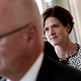 Finn Bengtsson (M) och Anna Kinberg Batra (M) efter voteringen om vårbudgeten i riksdagen