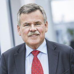 Kjell Nilsson avgår efter Panama-avslöjande.