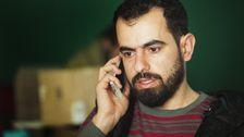 Seif Alhaji Othman är syrisk journalist. Det är hans team som gjort reportaget om taxichauffören Abu Taha till Korrespondenterna. Seif och hans team reser ständigt in och ut ur Syrien för att dokumentara vad som sker där.