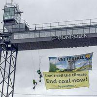 Protest mot Vattenfalls brunkolsförsäjning.