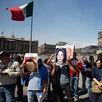 Protest på jättetorget Zocalo i Mexiko City.