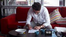 SVT Dolds reporter Samir Bezzazi skriver högskoleprovet i tv-huset i Göteborg.