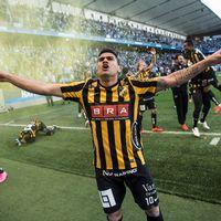 Paulo de Oliviera jublar efter vinsten.