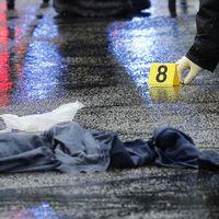 Brottsplatsen vid Westfield Montgomery Mall i Maryland, där en sköts till döds och två skottskadades.