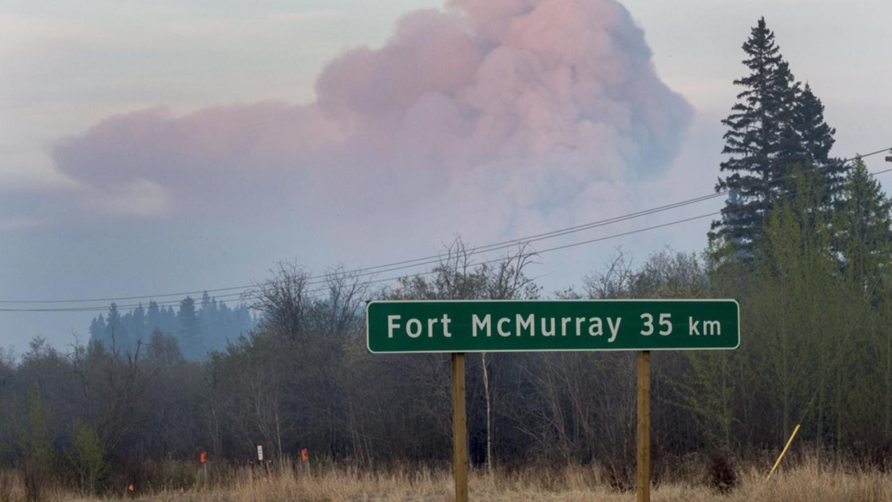Omfattande skogsbrander i kanada