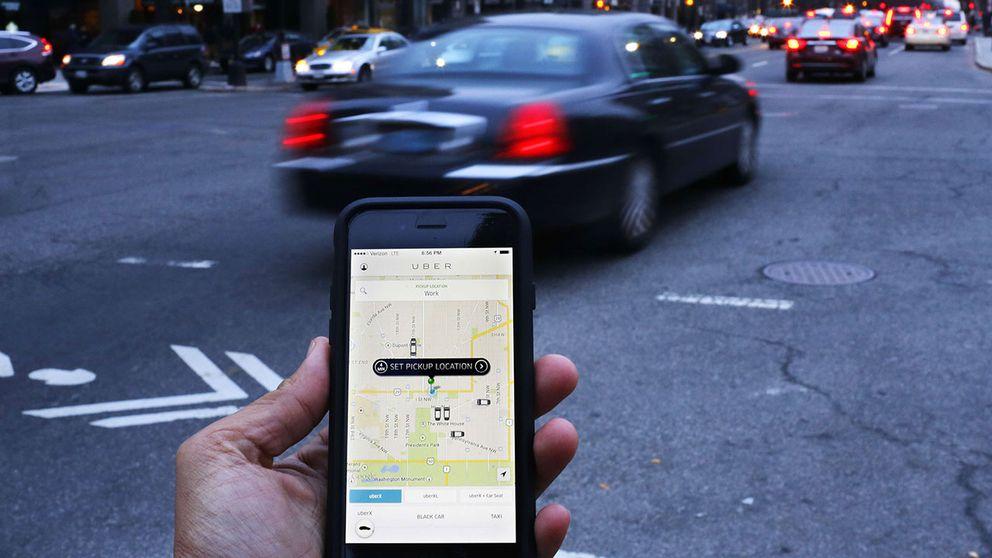 Uber-transport beställs med en app.