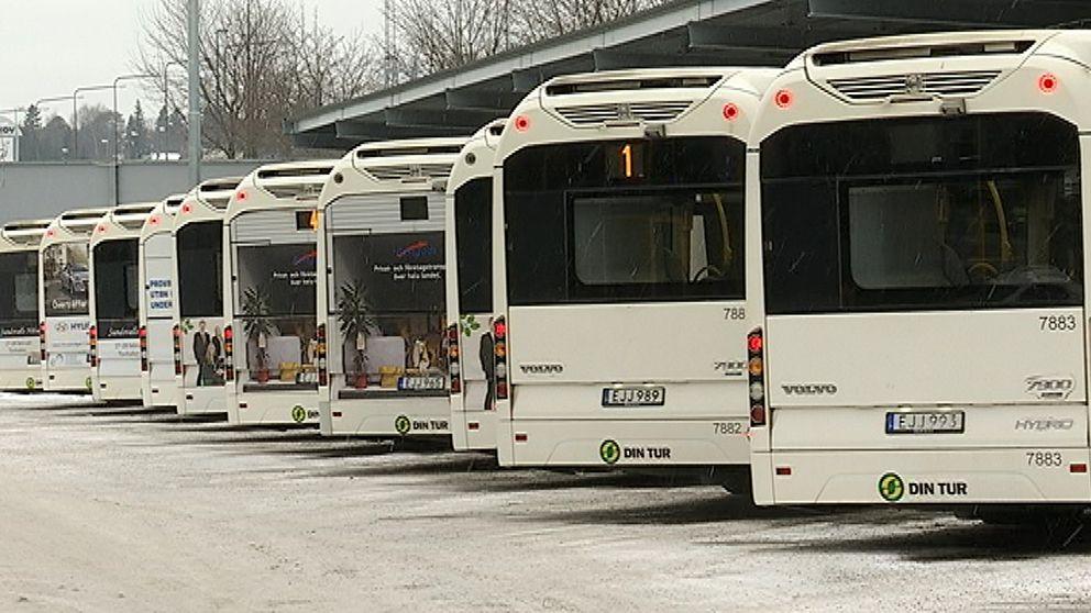 Bussar som står still
