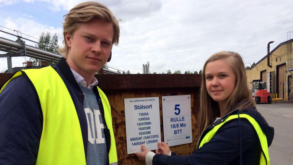 Johan Andersson och Emma Persson har fått göra iordning en miljöstation på Sandvik.