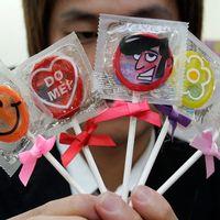 Godisformade kondomförpackningar.