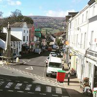 Walesiska byn Crickhowell.