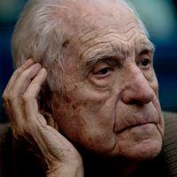 Argentinas tidigare diktator Reynaldo Bignone dömd till 20 års fängelse, till vänster från 2013 när rättegången inleddes.