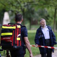 Tio barn skadades av ett blixtnedslag i Paris.