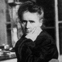 Kemisten Marie Curie var den första mamman att få ett Nobelpris, hon var dessutom den första personen att få det två gånger. Även hennes dotter Irène belönades med ett Nobelpris.