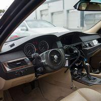 Tjuvar tar sig in i bilar och stjäl airbagen och ratten.