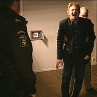 Reporter blir skjuten av elpistol.