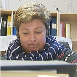 Eva Nemec Nord, åklagare, och en spritbuss.