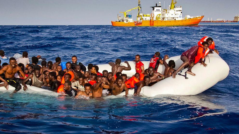 Flyktingbåt på Medelhavet
