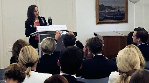 SVT:s vd Hanna Stjärne talar på ett seminarium i Bryssel